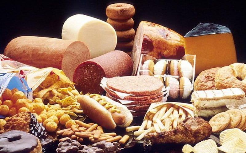 Nhóm thực phẩm chứa chất béo không lành mạnh - Vi khuẩn HP kiêng ăn gì