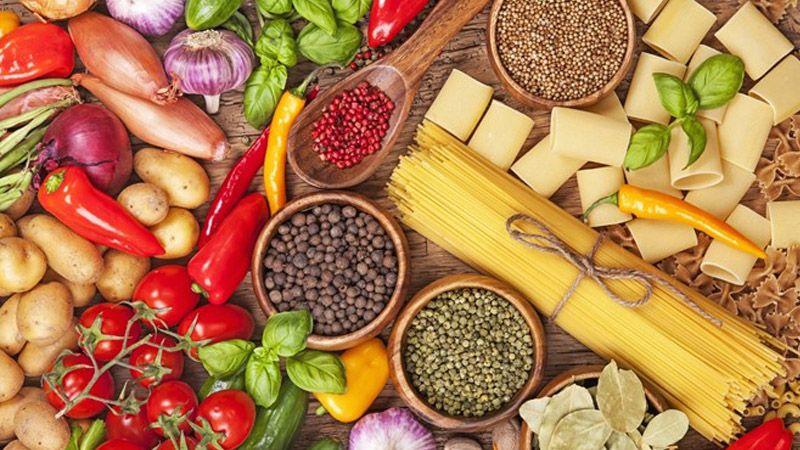 Mẹ bầu nên chú ý bổ sung nhiều thực phẩm giàu vitamin, chất xơ có lợi cho cơ thể