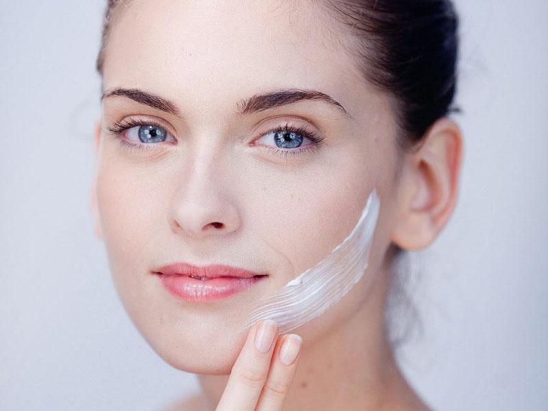 Tăng cường bổ sung độ ẩm cho da giúp da khỏe hơn