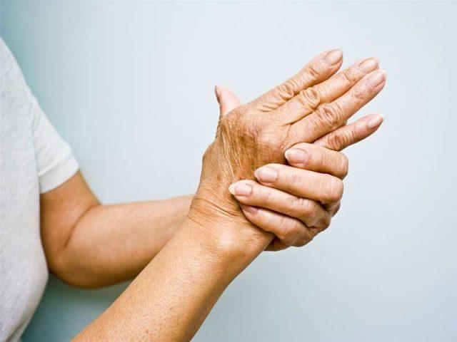 Người bệnh có thể điều trị viêm đa khớp bằng phương pháp diện chẩn