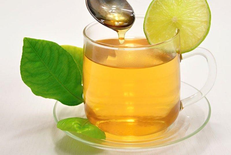 Bài thuốc từ mật ong kết hợp với trà xanh