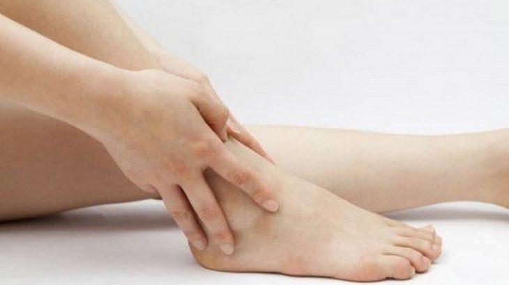 Viêm khớp cổ chân kiêng ăn gì