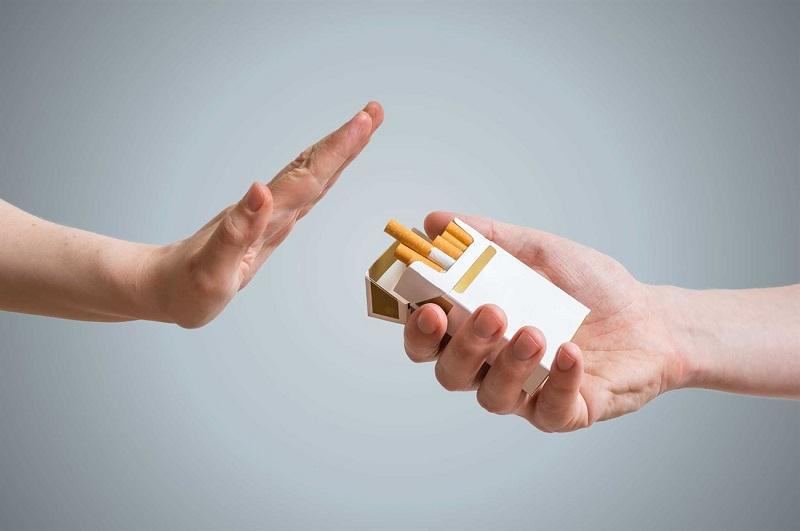 Không sử dụng thuốc lá hay rượu bia khi đang bị bệnh