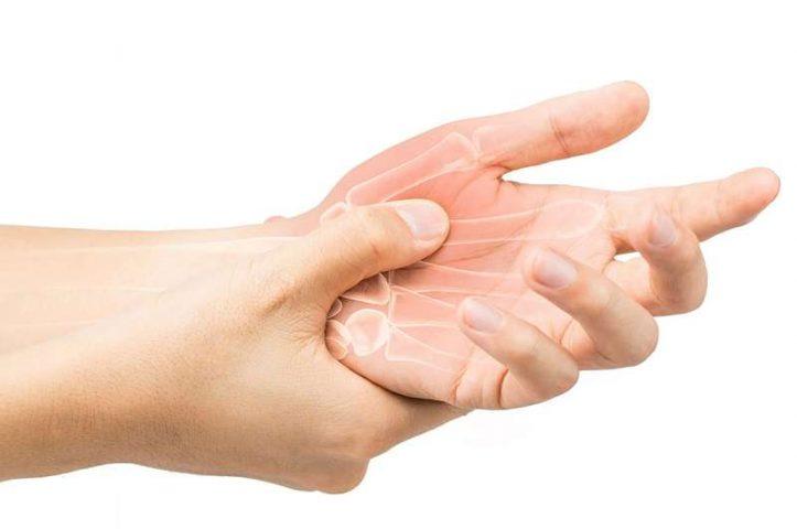 Viêm khớp dạng thấp là tình trạng viêm nhiễm làm phá hủy sụn khớp