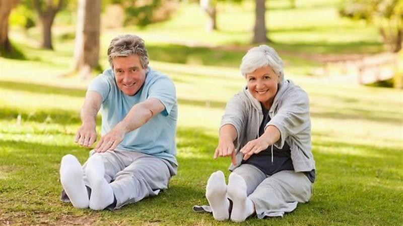 Người bệnh viêm khớp dạng thấp nên tập luyện thể dục thể thao