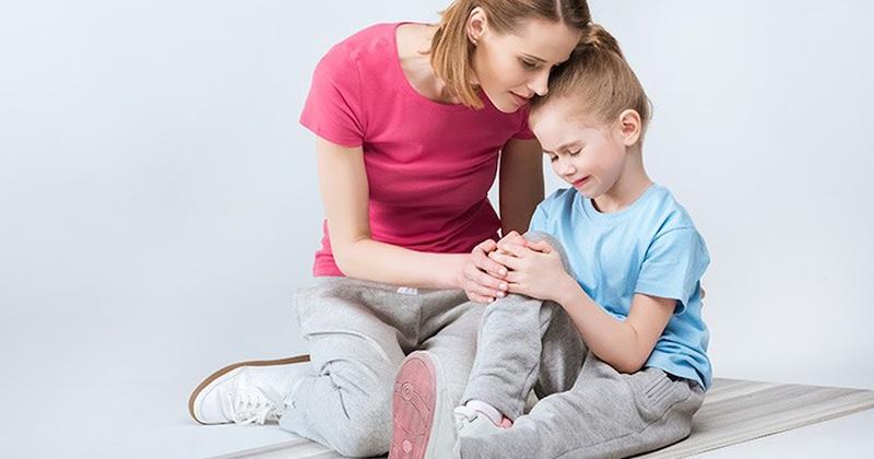 Viêm khớp gối ở trẻ em gây đau nhức và ảnh hưởng đến sức khỏe