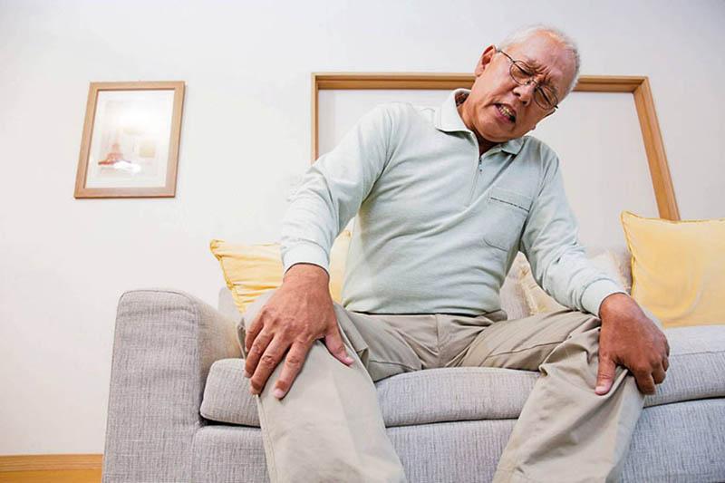 Viêm khớp mãn tính thường gặp ở người già trên 60 tuổi