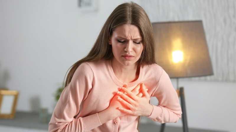 Viêm khớp sụn sườn là tình trạng đau tức ở thành ngực