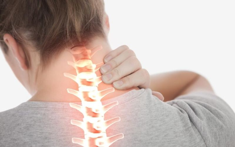Thoát vị đĩa đệm cổ có thể là nguyên nhân gây ra viêm khớp quanh vai