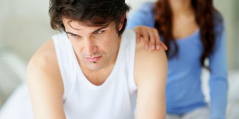 Suy giảm ham muốn tình dục là biểu hiện đặc trưng ở nam giới