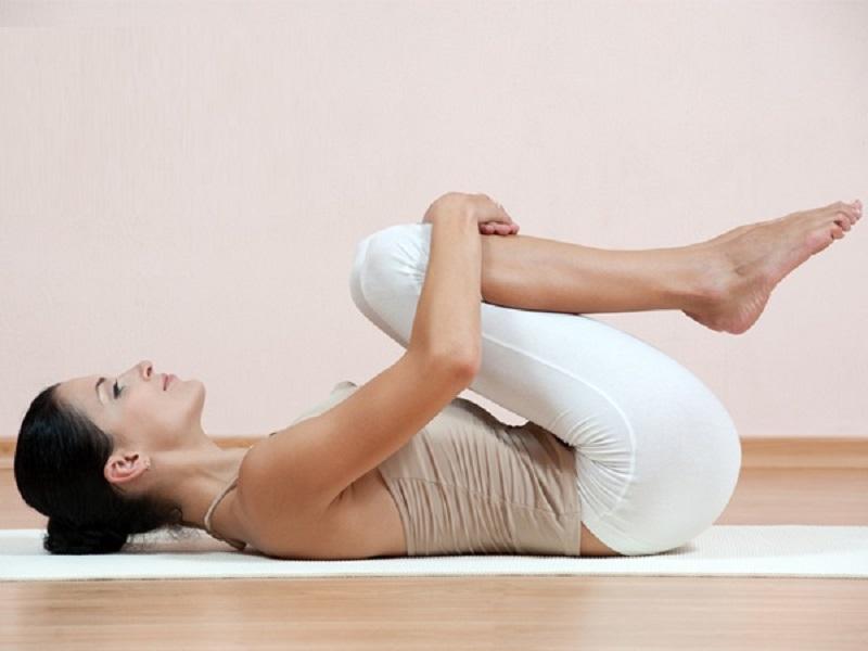 Bài yoga chữa thoát vị đĩa đệm bằng cách làm giãn cơ lưng