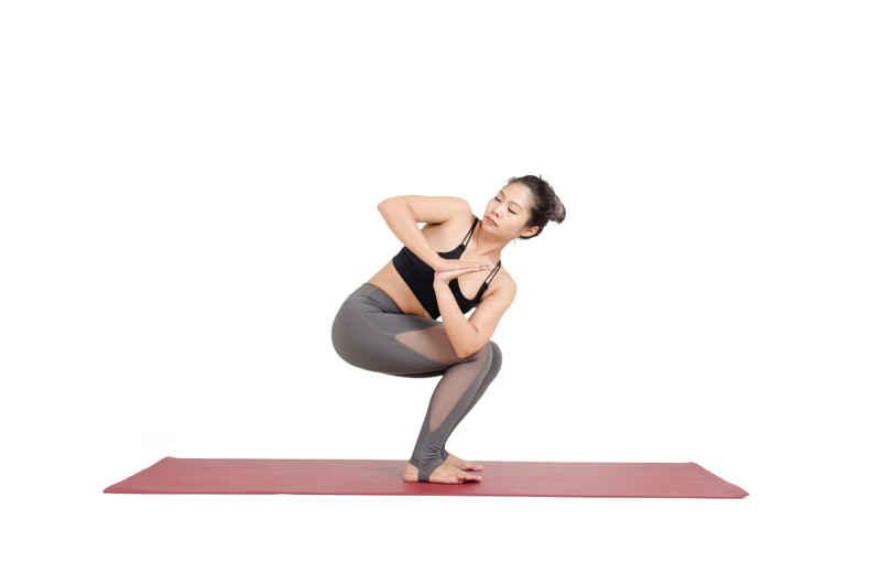 Bài tập yoga chữa thoát vị đĩa đệm cổ
