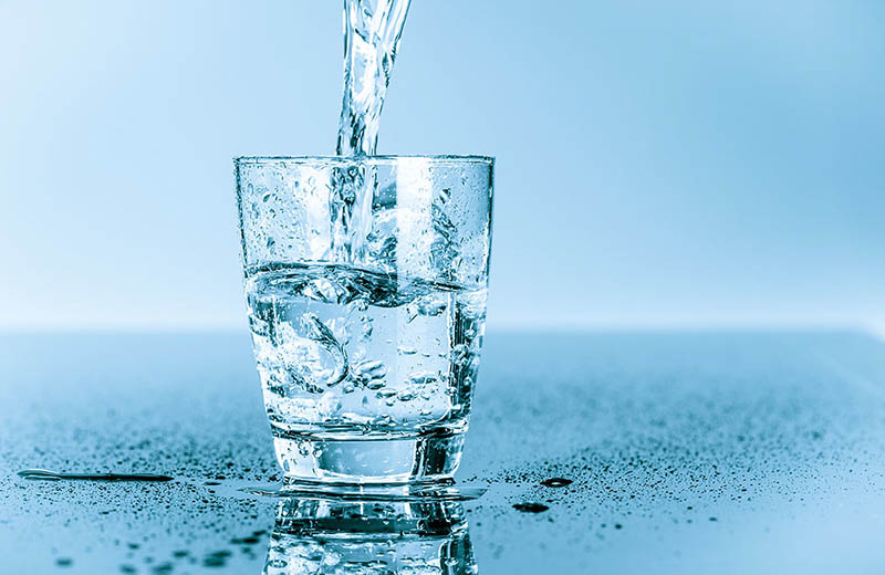 Người bệnh cần chú ý uống nhiều nước để đào thải độc tố
