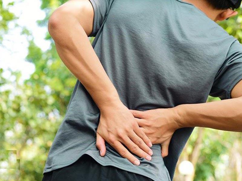 Người bệnh có thể cảm nhận rõ ràng hơn các cơn đau trong giai đoạn đĩa đệm phình to