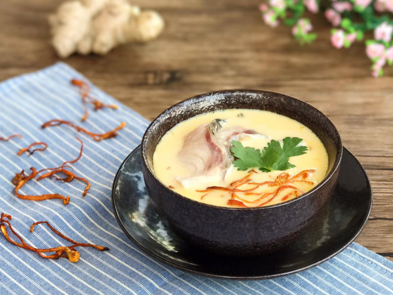Cách dùng đông trùng hạ thảo nấu cháo thơm ngon, giàu dinh dưỡng