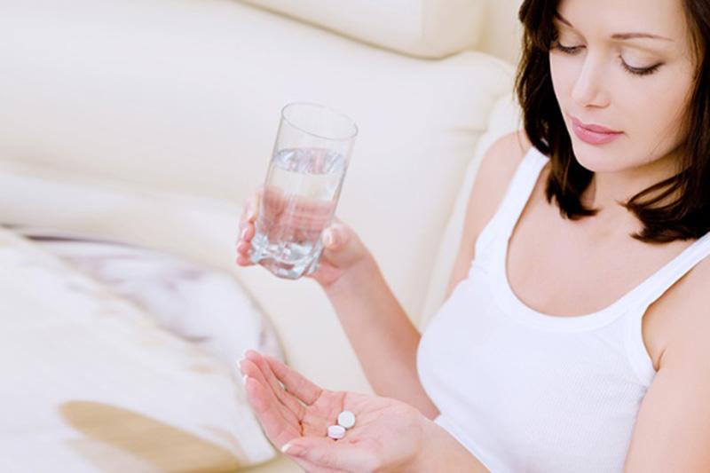 Mẹ bầu cần cẩn trọng khi điều trị bằng thuốc tây y