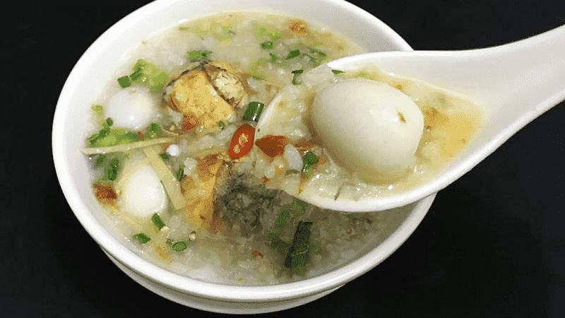 Trứng có thể nấu thành món cháo dinh dưỡng ăn hàng ngày