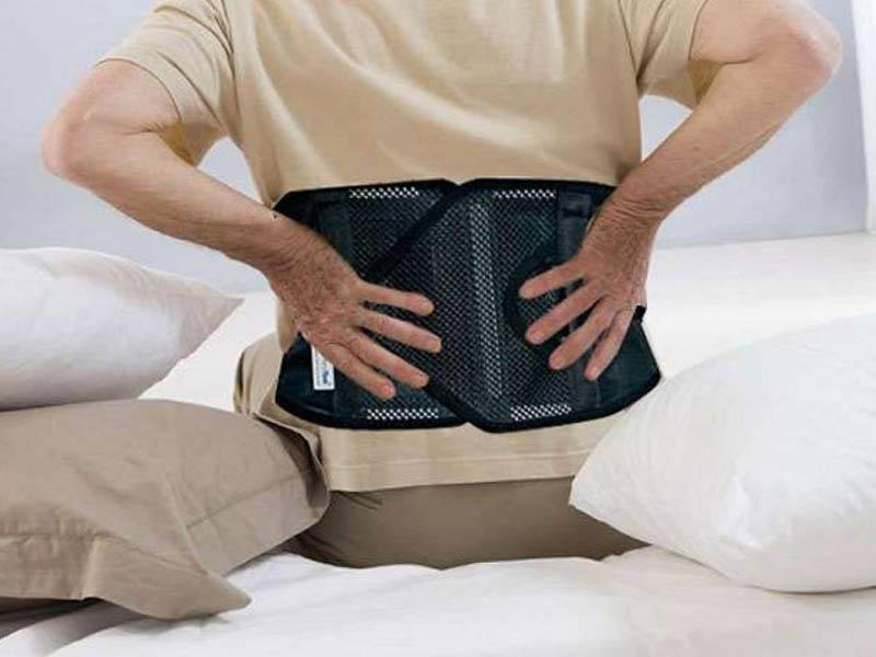 Đai đeo có tác dụng giảm đau hiệu quả, giảm áp lực lên vùng cột sống