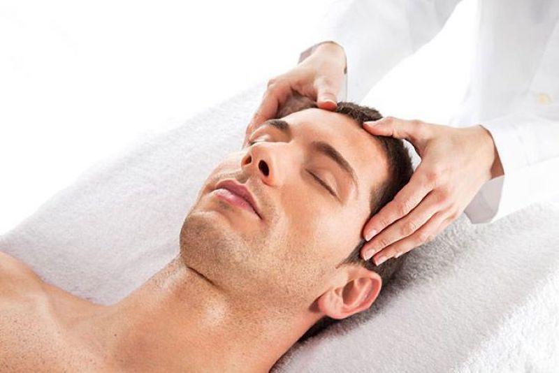 Diện chẩn tác động lên huyệt đạo trên mặt để điều trị