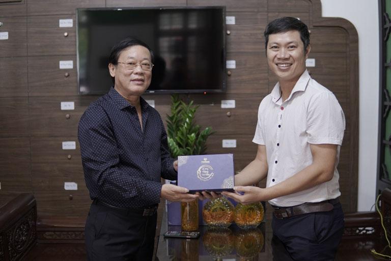 NS Phú Thăng chọn dùng ĐTHT Vietfarm để luôn khoẻ mạnh, sung sức như tuổi trai tráng