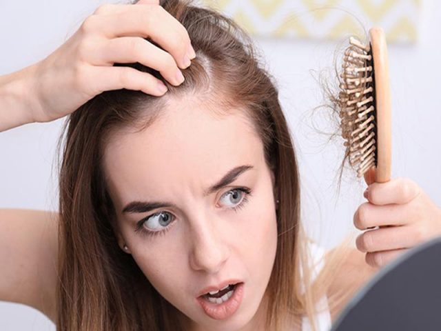 Ngứa đầu rụng tóc là tình trạng thường gặp, phổ biến ở mọi lứa tuổi
