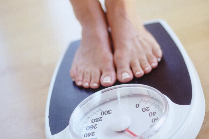 Duy trì trọng lượng cơ thể hợp lý để tránh thoái hóa khớp gối