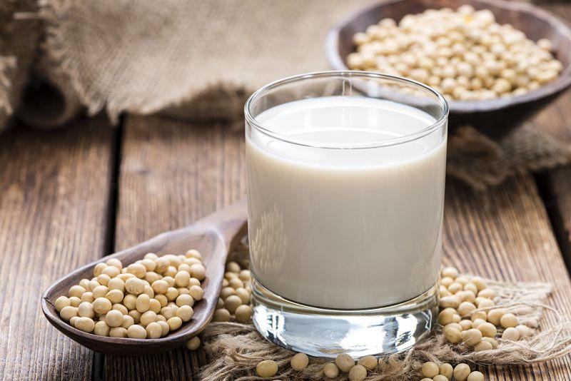 Sữa đậu nành rất tốt cho người bị thoát vị đĩa đệm