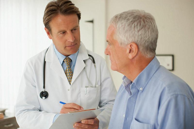 Tuổi tác cao là một trong những nguyên nhân gây bệnh