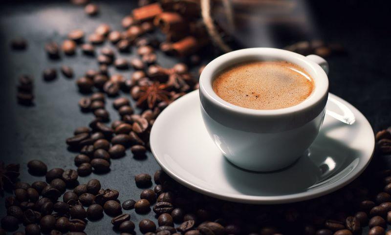 Những người bị bệnh nên hạn chế cafe và các đồ uống có chứa Caffeine