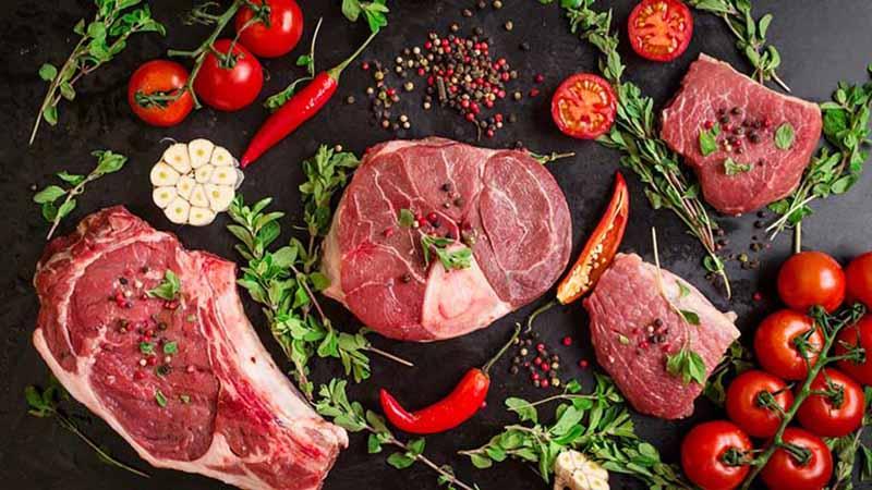 Thoái hóa cột sống thắt lưng nên ăn gì, kiêng gì?Hạn chế ăn các loại thịt đỏ