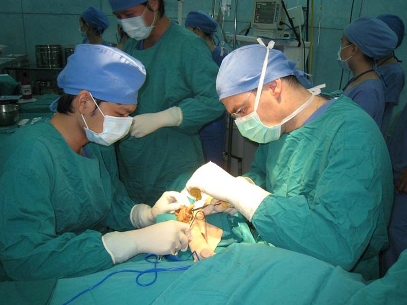 Phẫu thuật là phương pháp được chỉ định với bệnh nhân giai đoạn nặng