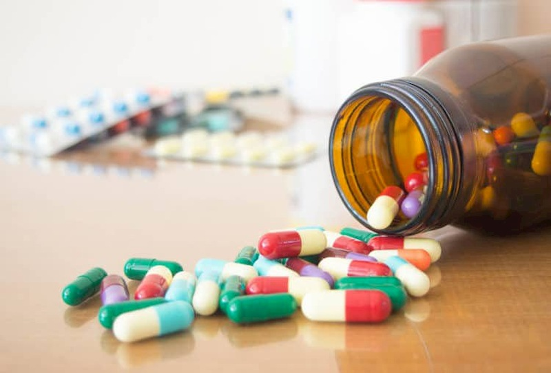 Có thể sử dụng một số thuốc Tây y để trị phồng lồi đĩa đệm