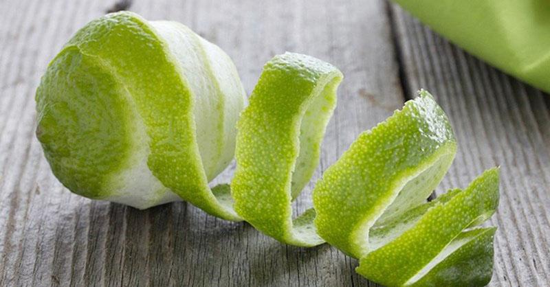 Vỏ bưởi chứa nhiều tinh dầu có khả năng sát khuẩn, diệt nấm và phục hồi da đầu hiệu quả