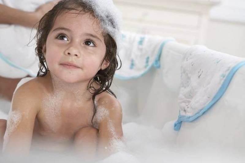 Do kích ứng với các dung dịch vệ sinh hay sữa tắm