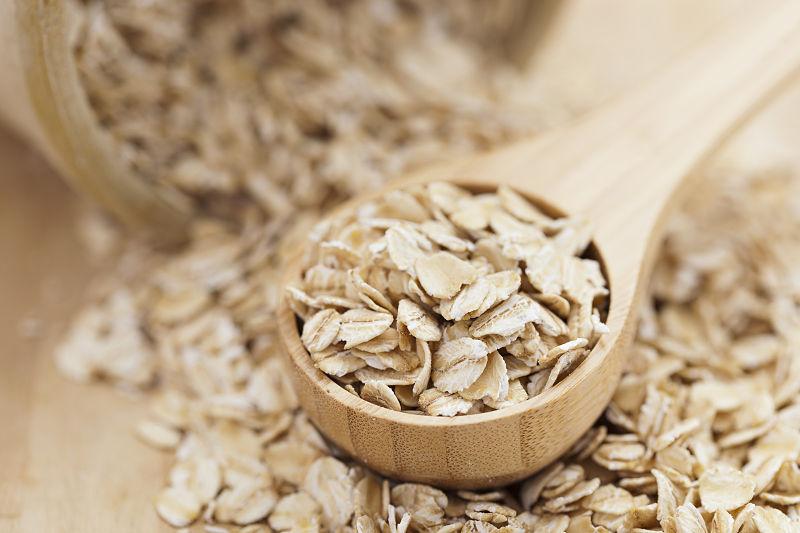 Bột yến mạch cung cấp một lượng chất xơ vừa đủ rất tốt cho quá trình tiêu hóa