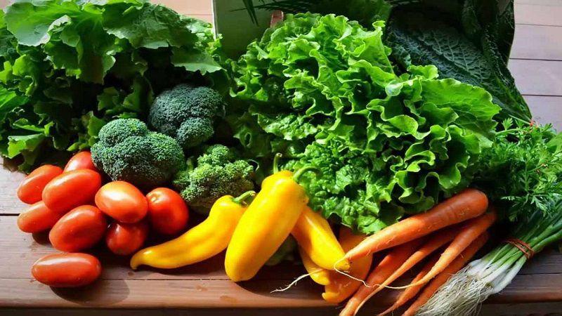 Chọn các loại rau củ tươi chứa nhiều vitamin A, C, chất xơ, axit amin...