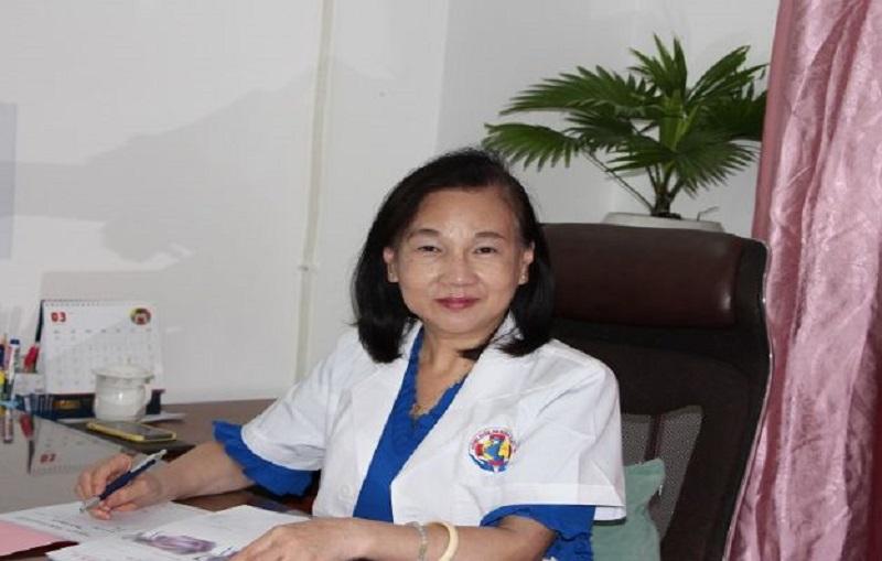 Trước khi quyết định mở phòng khám tư 2005, bác sĩ đã từng cống hiến cho rất nhiều bệnh viện lớn tại Thành phố Hồ Chí Minh.
