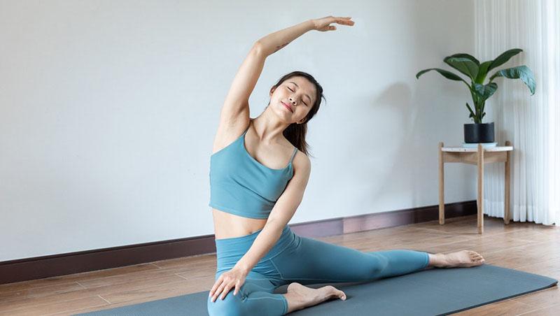 Bạn nên tập yoga dưới sự hướng dẫn của chuyên gia