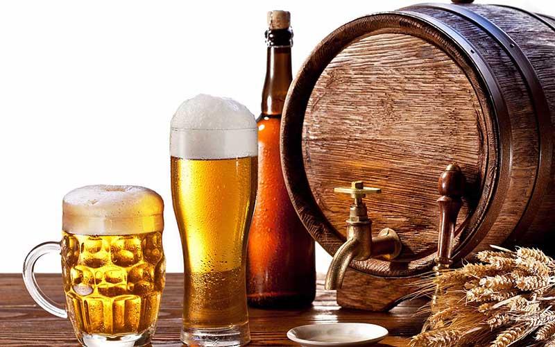 Người bị ho kiêng uống bia rượu, đồ uống có gas