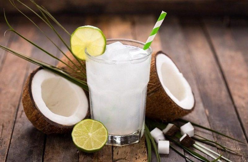 Nước dừa tươi vừa là thức uống giải khát vừa có khả năng chữa bệnh dạ dày