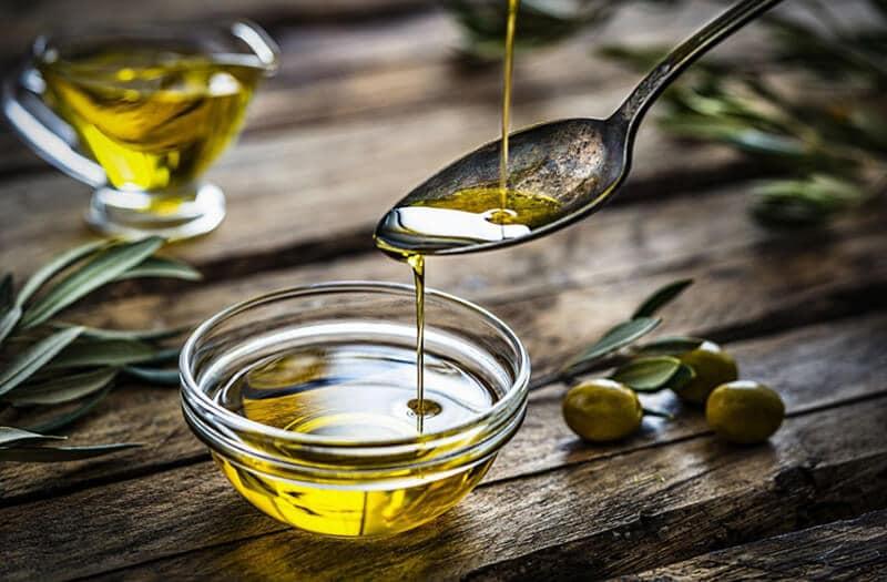 Có nhiều cách sử dụng dầu oliu để trị sỏi mật