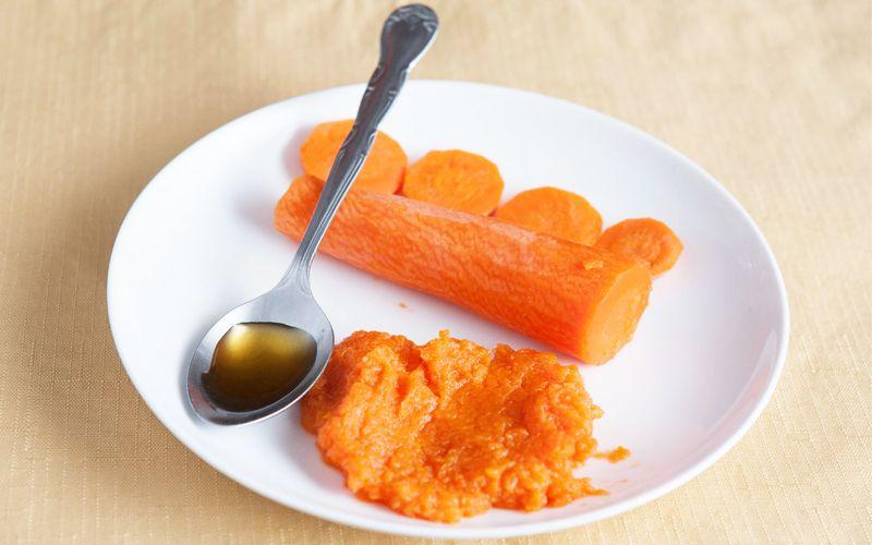 Sử dụng cà rốt và mật ong để chữa xuất tinh sớm