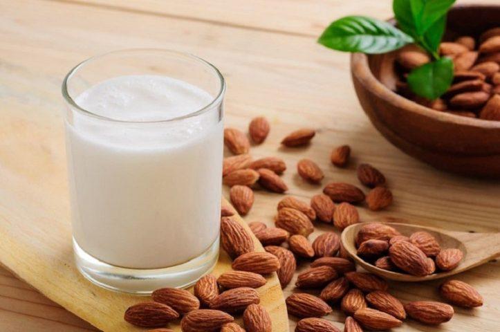 Đau dạ dày có nên uống sữa không? [Khuyến cáo từ chuyên gia]