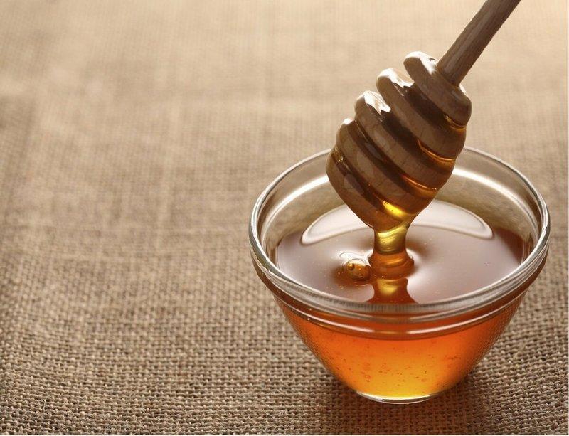 Mẹo dân gian trị ho bằng mật ong