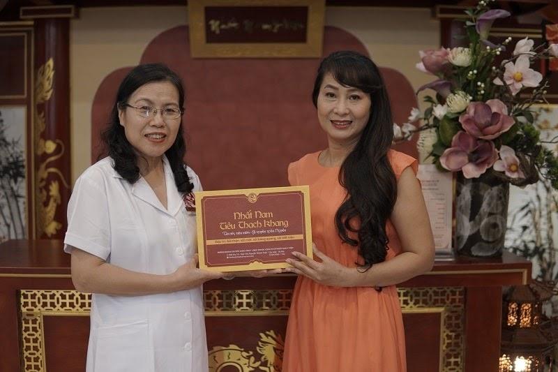 Diễn viên Thùy Liên chia sẻ về hiệu quả bài thuốc Nhất Nam Tiêu Thạch Khang