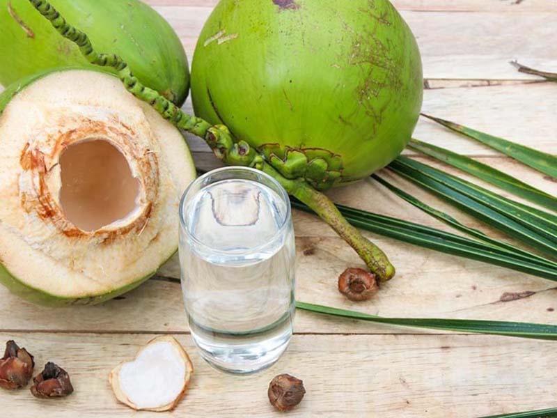 Suy thận có uống được nước dừa không? Lời khuyên của chuyên gia