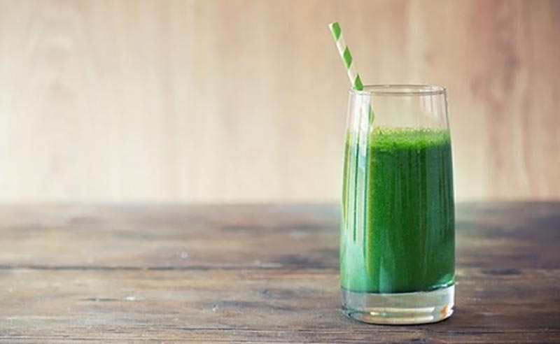 Bệnh nhân có tiền sử đau dạ dày không nên sử dụng nhiều nước ép bí xanh