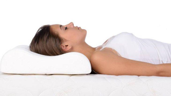 Thoái hóa đốt sống cổ có nên nằm gối khi ngủ sai tư thế là nguyên nhân gây bệnh