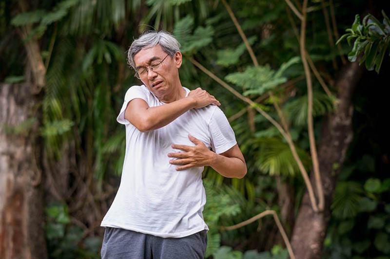 Có rất nhiều nguyên nhân gây nên bệnh thoái hoá khớp vai