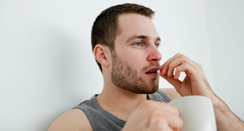 Nam giới có thể uống thuốc kháng sinh Tây y để điều trị chứng đái rắt